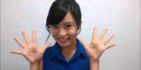 Ruriko Kojima, rightly to rant to Sayuri Kaminishi House of Representatives member of soccer.