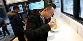 """[Future] """"unmanned ramen shop"""" has opened in China. Want a softening dystopia feeling"""