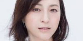 """Ryoko Hirosue (37) """"For example, do you wear uniforms of high school girls in this age!?"""""""