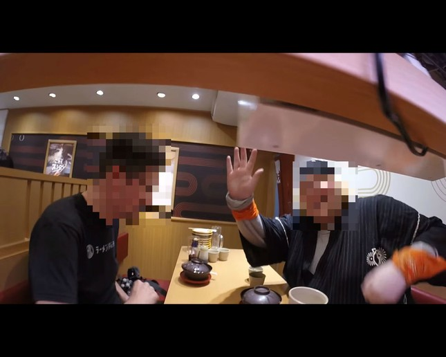 Now foreigner user tuber put the camera in trouble video rotation sushi rail Sushiro unauthorized shooting
