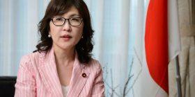 Japan: embattled Shinzo Abe blames staff over land sale scandal – The Guardian