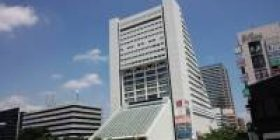 Around the Nakano Sekuraza dismantle and the shopping district confront