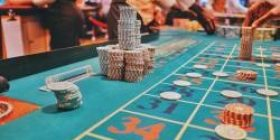 """Casino counterpart """"How casino operators can afford Japanese loans to interested customers for 2 months without interest (14.6% penalty)"""" How is it?"""