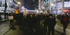Criticism of the Abe citizen government, Tokyo metropolitan to large-scale demonstration marching practice involving about 2,000 people in Shinjuku