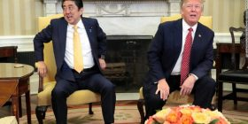 "Trump ""Shinzo, follow you"" Merkel ""Hey, Shinzo"" It turned out that Prime Minister Abe had won the god"