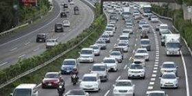 【Good news】 Automobile tax, lowering 4500 yen From October next year