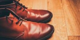 I'm disappointed with my boyfriend who wore UNIQLO · cheap leather shoes for the first date