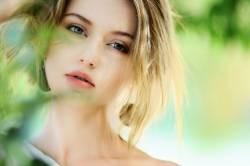 Wai interviewer beauty alone adopts www