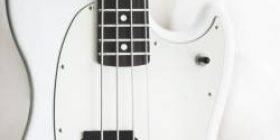 [Image] 690,000 yen guitar is here wwwwww www