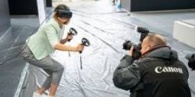 """【This? ] Tsui people """"If you wear VR goggles for about half a year, for some reason your vision has recovered from 0.3 to 1.0"""""""